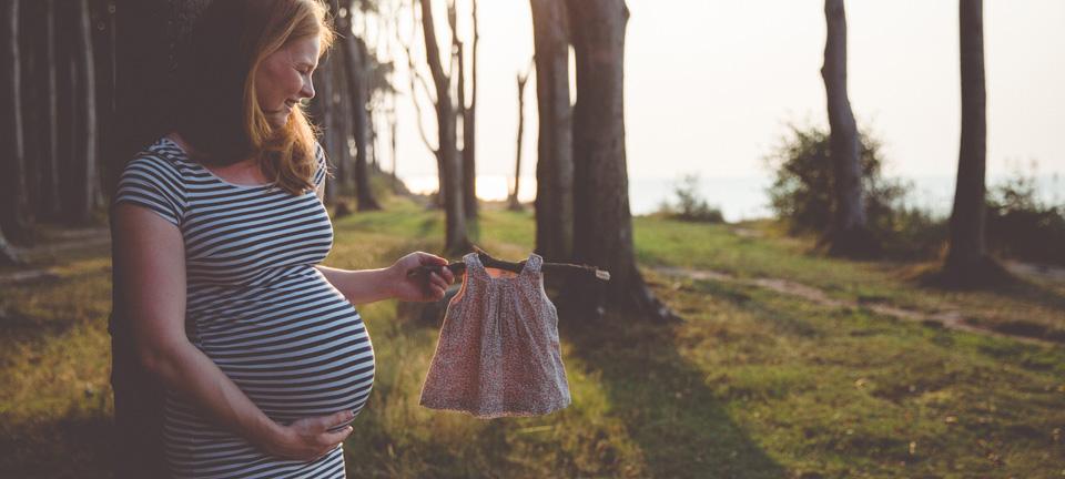Schwangerschaftsfotoshooting im Gespensterwald