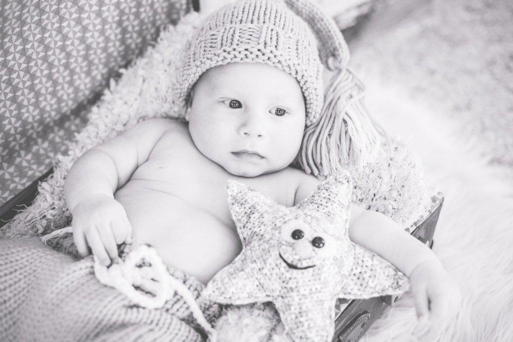 Babyfotos mit Kuscheltier