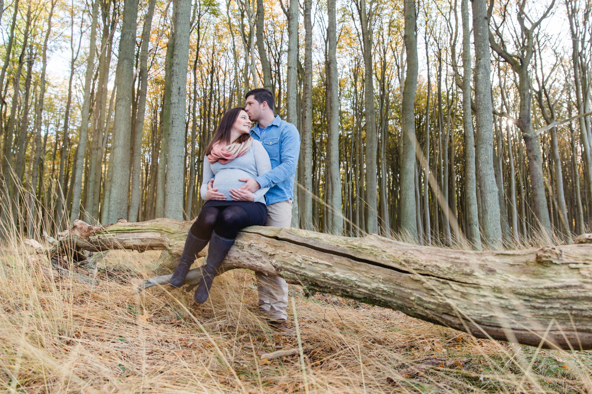 Schwangerschaftsfotoshooting im Wald.