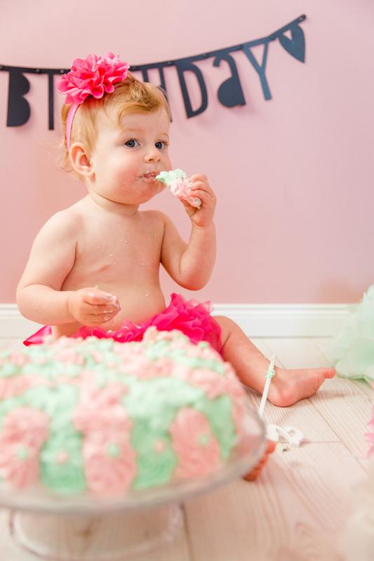 Tortenfotoshooting anlässlich des ersten Geburtstages.