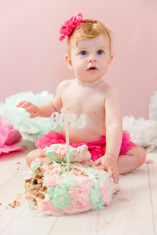 Fotoshooting mit Kind und Torte.