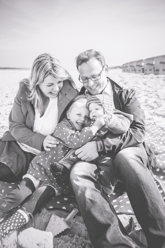 Fotoshooting mit einer Familie am Strand.