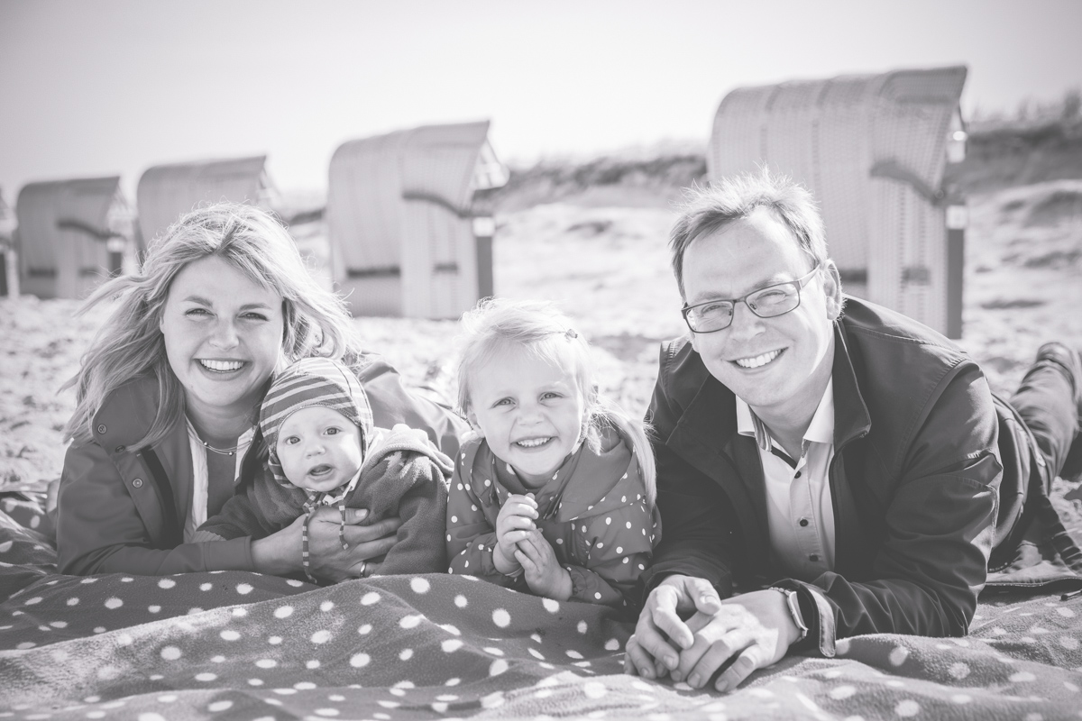 Familienfotoshooting am Strand.